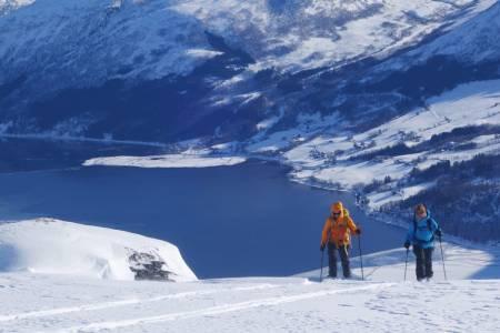 Kulde kalde skidager topptur
