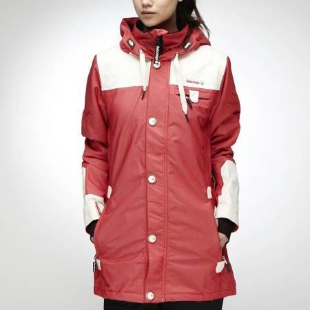 Stilig og varm jakke fra Sabotage. (Bildet fra Junkyard)