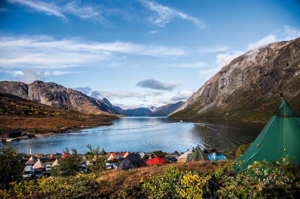 Perfekt teltutsikt over Gjendevatnet. Foto: Cathrine Holst