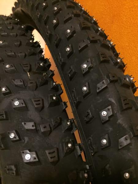 Piggdekk (2 syk) - sykkel terreng plus 29 x 2.8 - 1100/stk