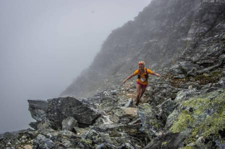 BEST AV DE NORSKE: Malene Blikken Haukøy ble nummer to i kvinneklassen i den lengste distansen under Tromsø Skyrace. Hun hadde 22. raskeste tid totalt. Foto: Killian Jornet