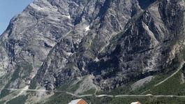 En basehopper er omkommet etter basehopping fra Stabben i Romsdalen