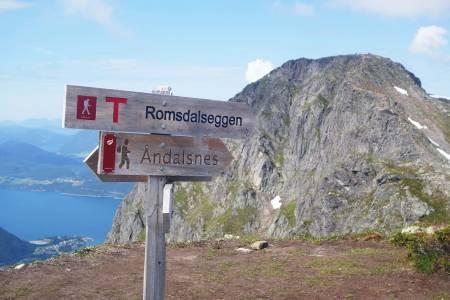 TURISME: Ronsdalseggen gås årlig av rundt 50.000 besøkende, og er blitt en av hovedattraksjonene i Åndalsnes. Illustrasjonsfoto: Erlend Sande