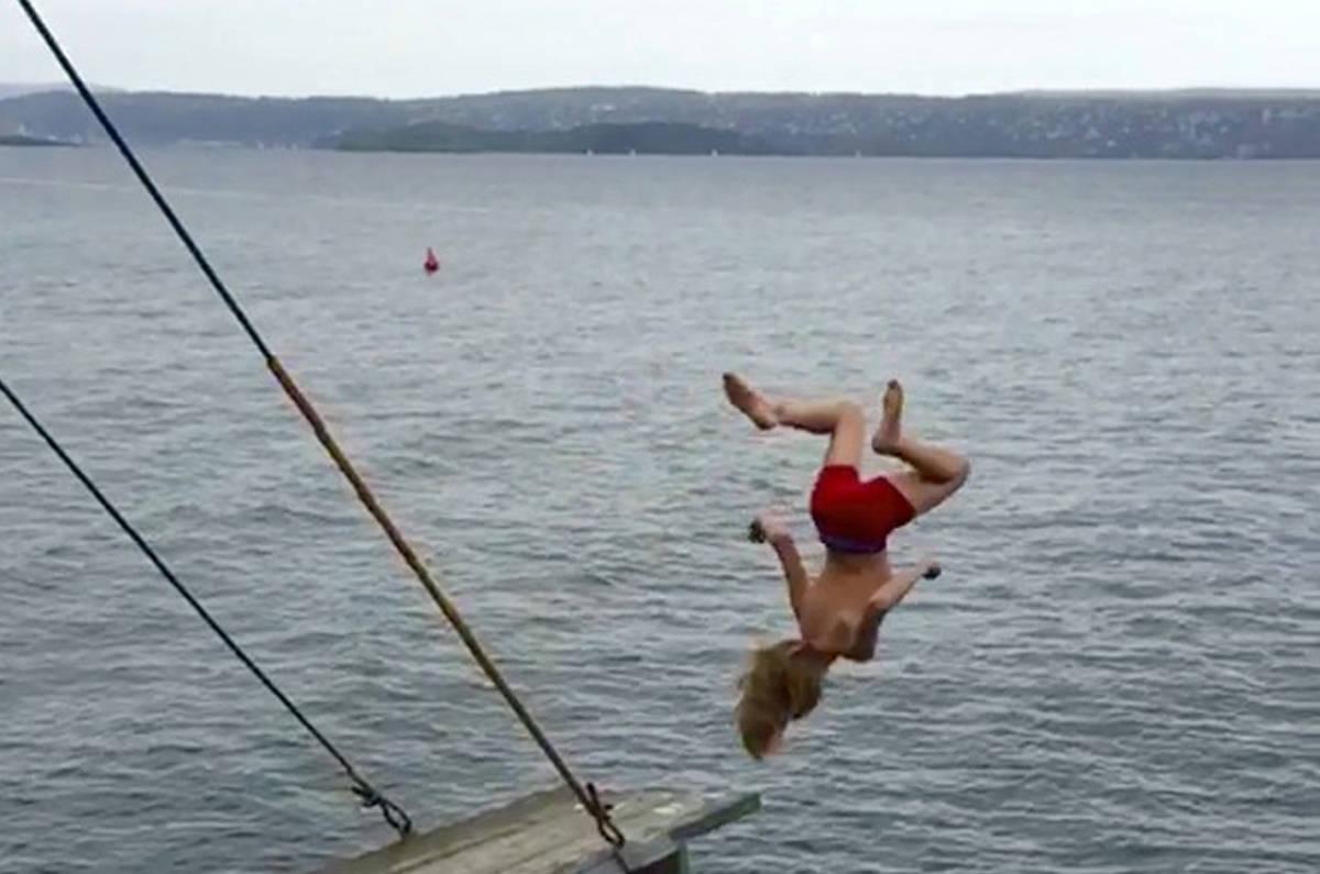 VINNER: 11 år gamle Kyrre Rosenvinge Holter tok seieren med dette iskalde baklengs salto-bildet fra Nesodden.