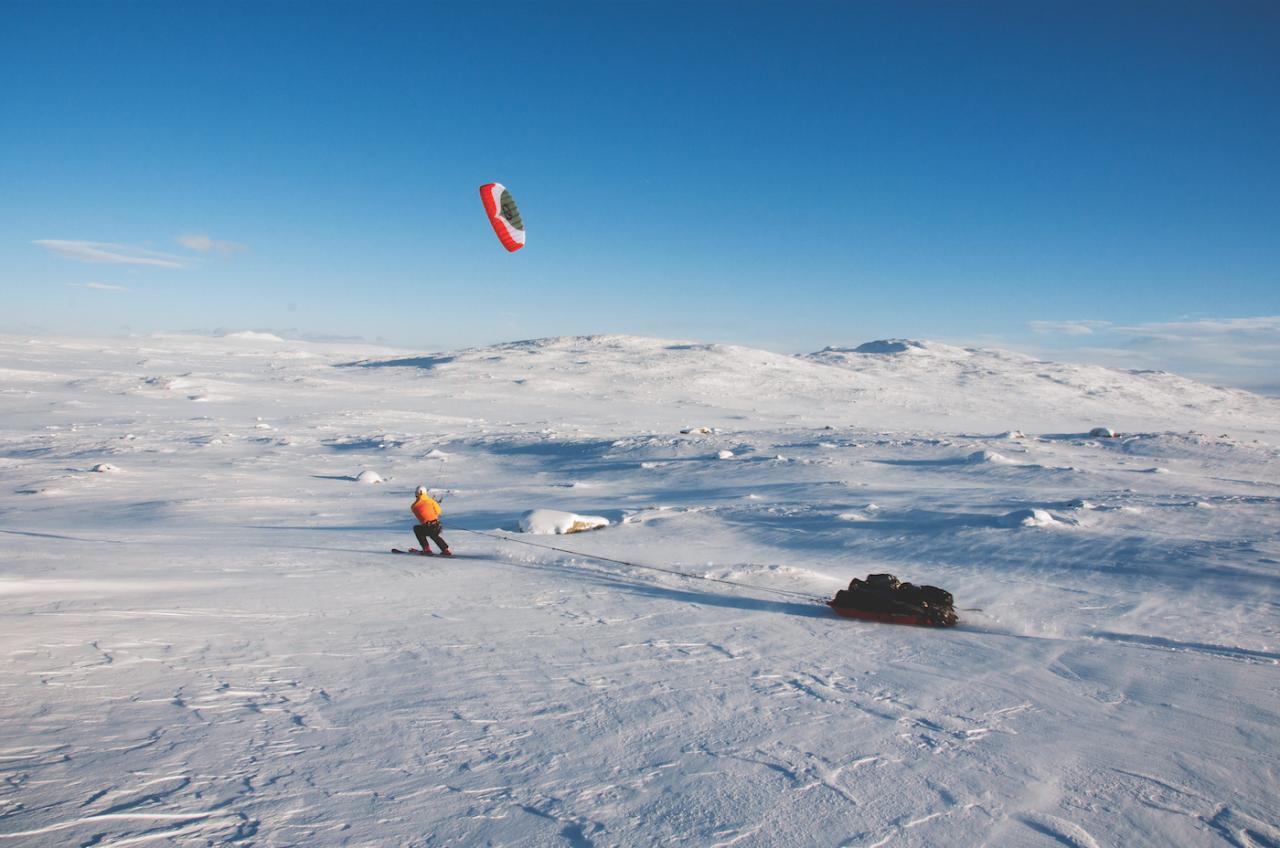 Det store og hele: Hardangervidda er Nord-Europas største fjellplatå. Med kite kan du krysse over hele på en dag. Eller kanskje på fem, om vinden uteblir. Foto: Sandra Lappegard