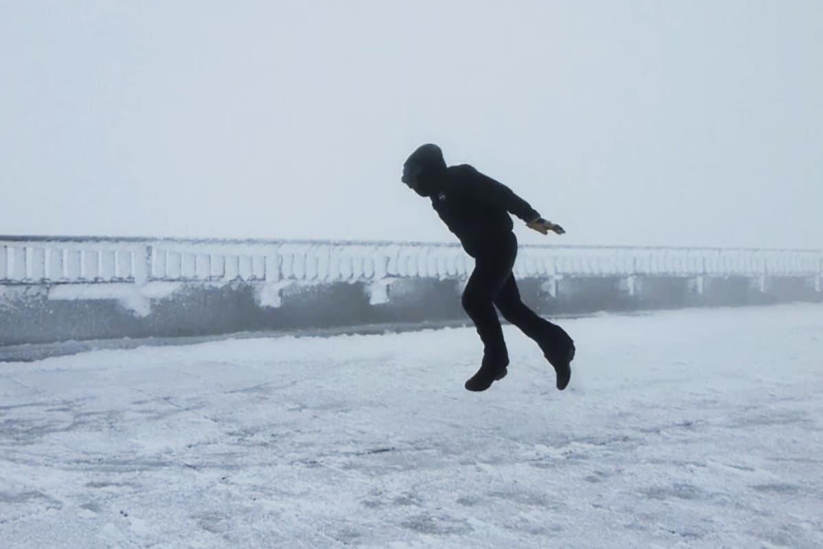 KRAFTIG: Så kraftig var vindstyrken. Foto: Skjermdump