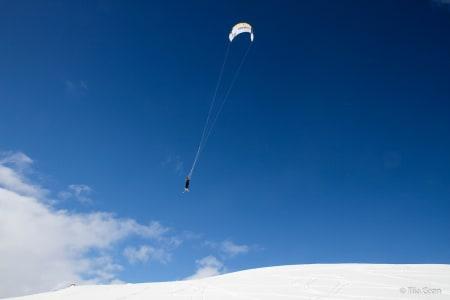GLEDE: Dette kan være definisjonen av glede, meg som flyr ned fra en fjellside. Foto: Hans-Henrik Grøn
