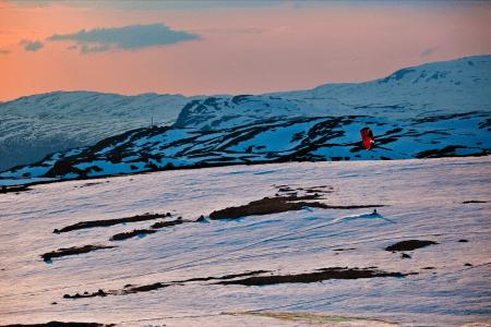 100 PROSENT NATURLIG: Rask tilgang på variert natur appellerer til mange snøkitere. På en dag i fjellet kan Sigve Botnen cruise i terrenget og finne urørt pudder i lesidene. Bilde: Christian Nerdrum