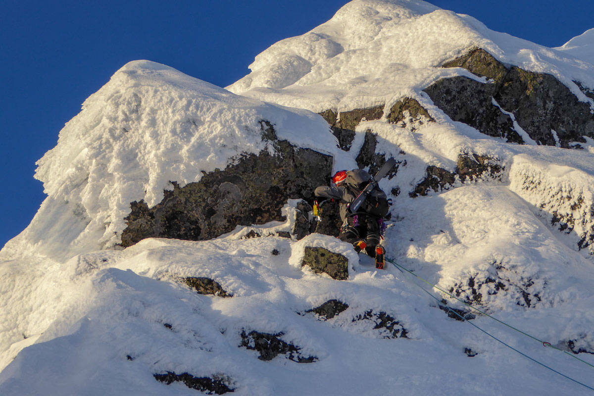 SPEKTAKULÆRT: Det er mange måter å ta seg til topps på Møysalen på. Her er historien om en av rutene som ikke er enklest. Foto: Signar André Nilsen