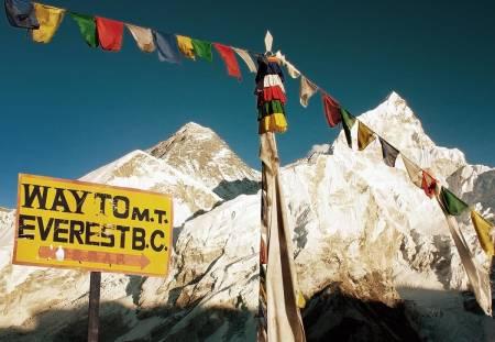 Trønderen Erlend Ness ble smittet av korona, og måtte bli flydd ut av Everest Base Camp.