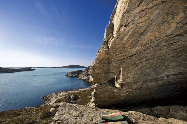 Idyllisk klatring på Fosen utenfor Trondheim