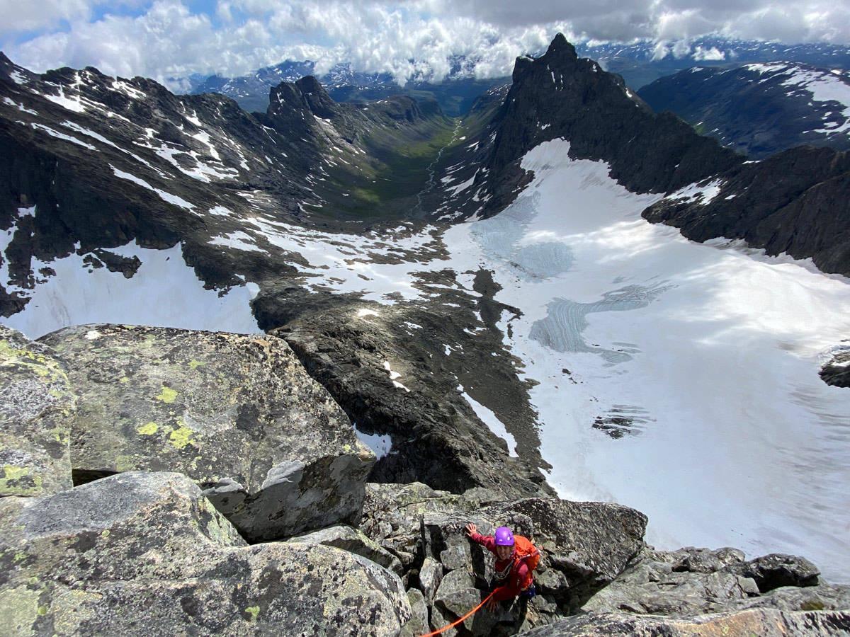 Søre Dyrhaugstind fra bandet Hurrungane Jotunheimen klatring