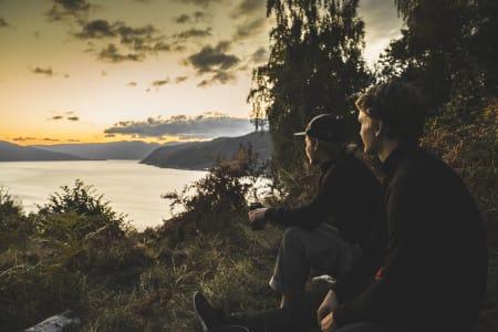 BLIR Å SE PÅ WEB: Vetle Eriksen Dirdal og Håvard Skaar Skogesal er profilene i FFTV sin nye serie Sognefjorden Cowboys. Bilde: Bård Basberg