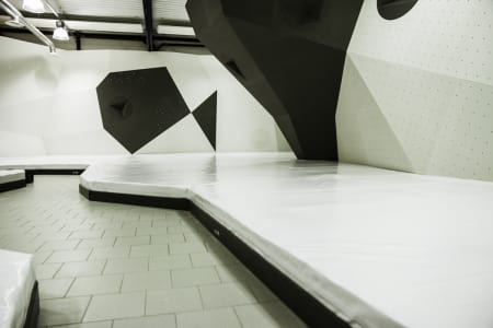 ÅPNER SNART: Buldrehallen i Ålesund blir en av Norges fineste buldrehaller. Åpningsdato er 29. september. Foto: Bjarne Grøseth