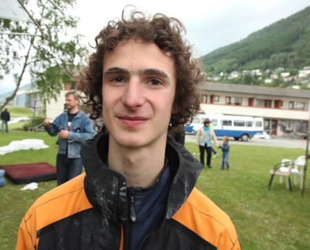 STERKING: Adam Ondra er det motsatte av svak. Foto: Dag Hagen