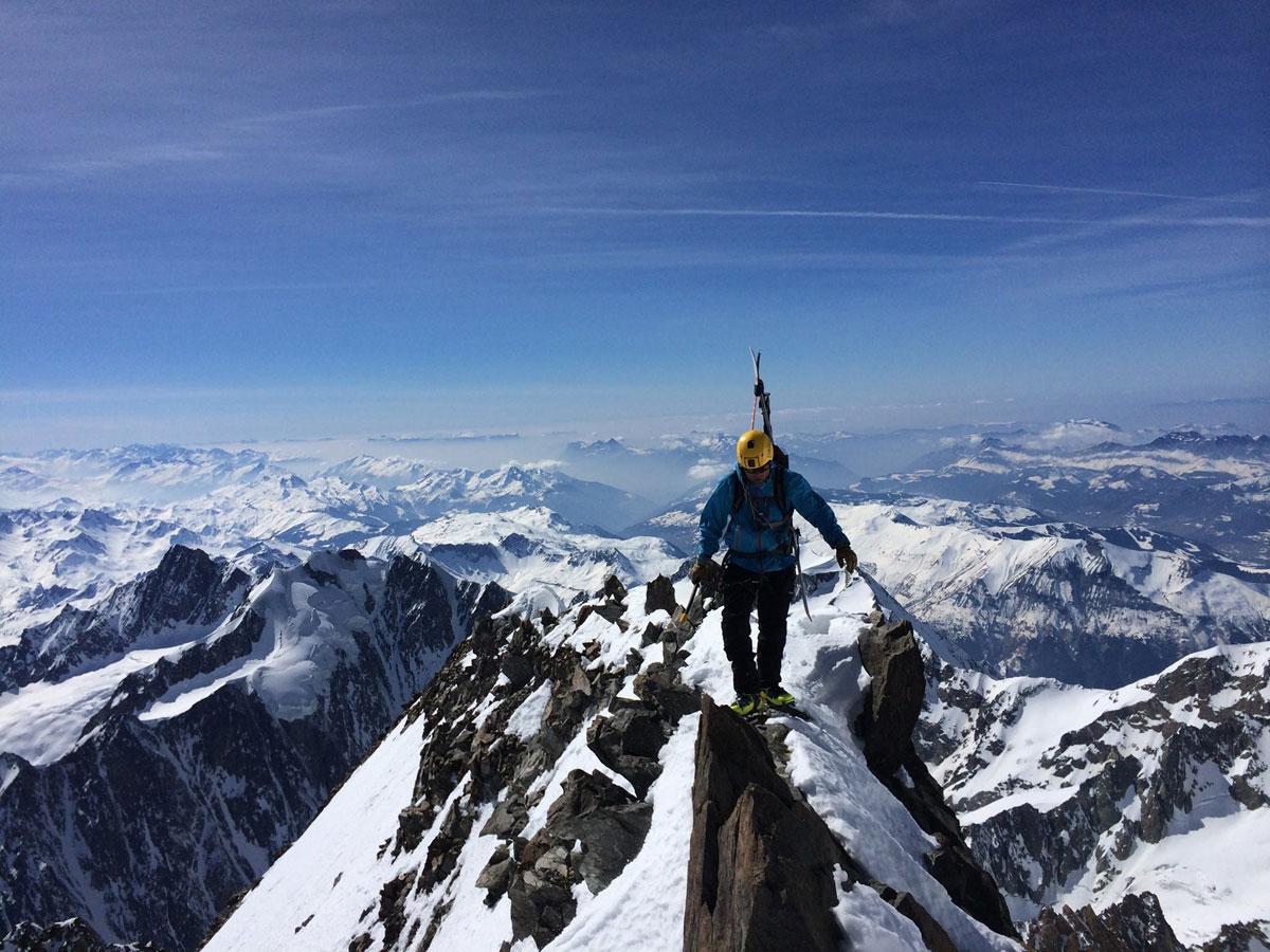 TIL FJELLS: Tormod Granheim tilbringer mesteparten av tida til fjells. Denne sommeren er hans andre som brukes i jakten på alle Alpenes 4000-meterstopper. Foto: Privat