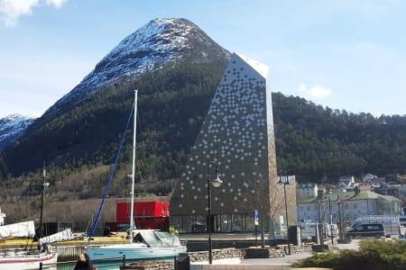 FORVALTER: Norsk Tindesenter AS understreker at de vil følge det videre planarbeidet for gondolen nøye. Foto: Nils Øverås