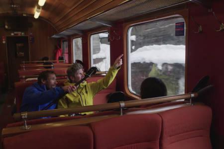Skiproffer på toget til Vatnahalsen
