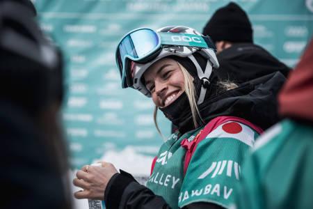 SEIER I FWT: Hedvig Wessel i målområdet etter seieren. Foto: Jeremy Bernard / Freeride World Tour