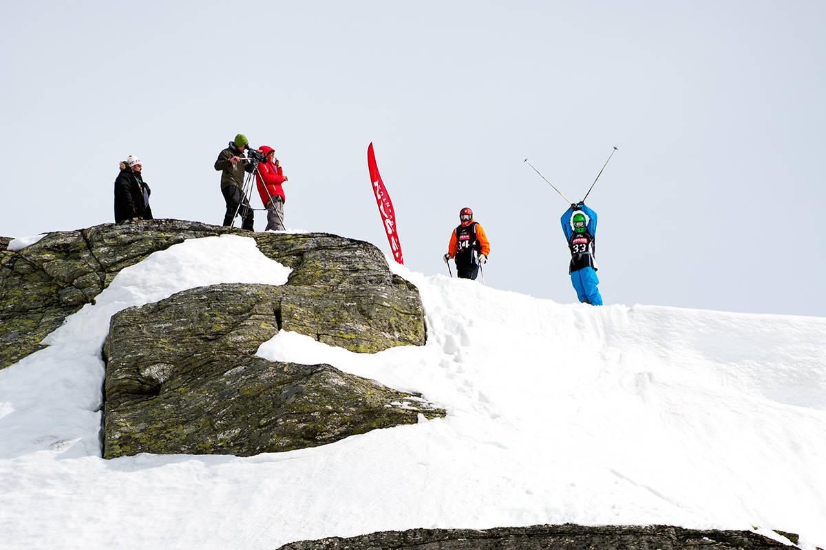 25. APRIL 2009: I rød hjelm: Magnus Tveito. I grønn hjelm: Torgrim Vole. På spill: Seier i Røldal, Norgescup og Freeride World Tour-kort. De er begge selvsagt invitert til RFC i år. Foto: Sverre Hjørnevik