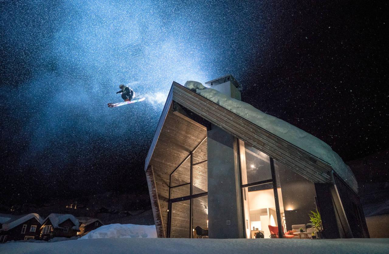 En høytflyvende Knut-Hendrik Lajord akkompagnert av grillrøyk har sikret Vegard Aasen en plass blant de seks finalistene i X Games Zoom. Foto. Vegard Aasen.