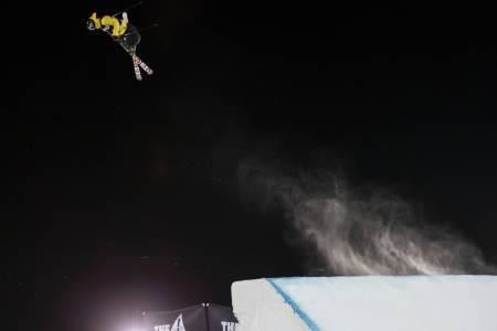 GULL: Birk Ruud gikk helt til topps i X Games big air. Foto: Tomas Zuccareno
