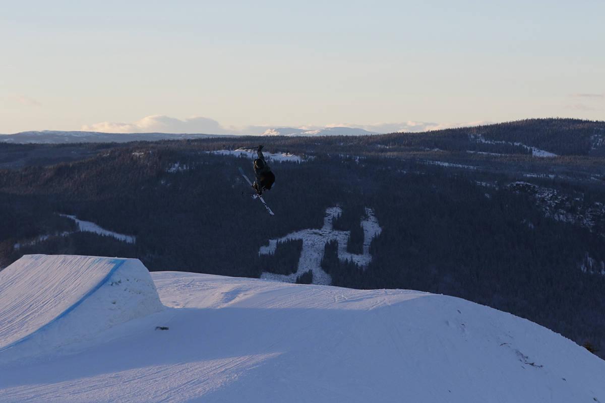 STENGES FOR ALLMUEN: Verdens beste slopestylecourse bygges på Hafjell i mars, men den blir forbeholdt X Games-kjørerne. Hele greia skal rives etter konkurransen. Tora Johansen (bildet) og de fleste andre må holde seg i den vanlige parken. Foto: Espen Berg-Johnsen