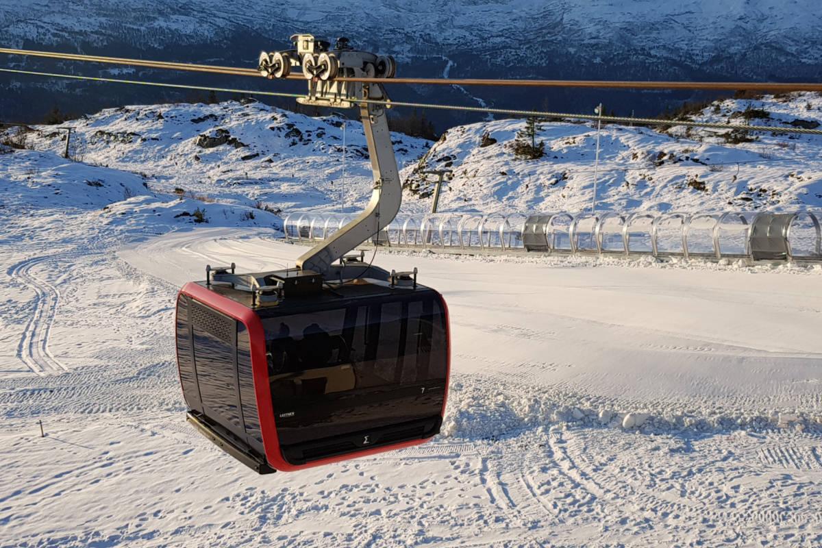 ÅPNER: Gondolbanen på Voss skal i helga frakte sine første skiturister. Foto: Voss Resort