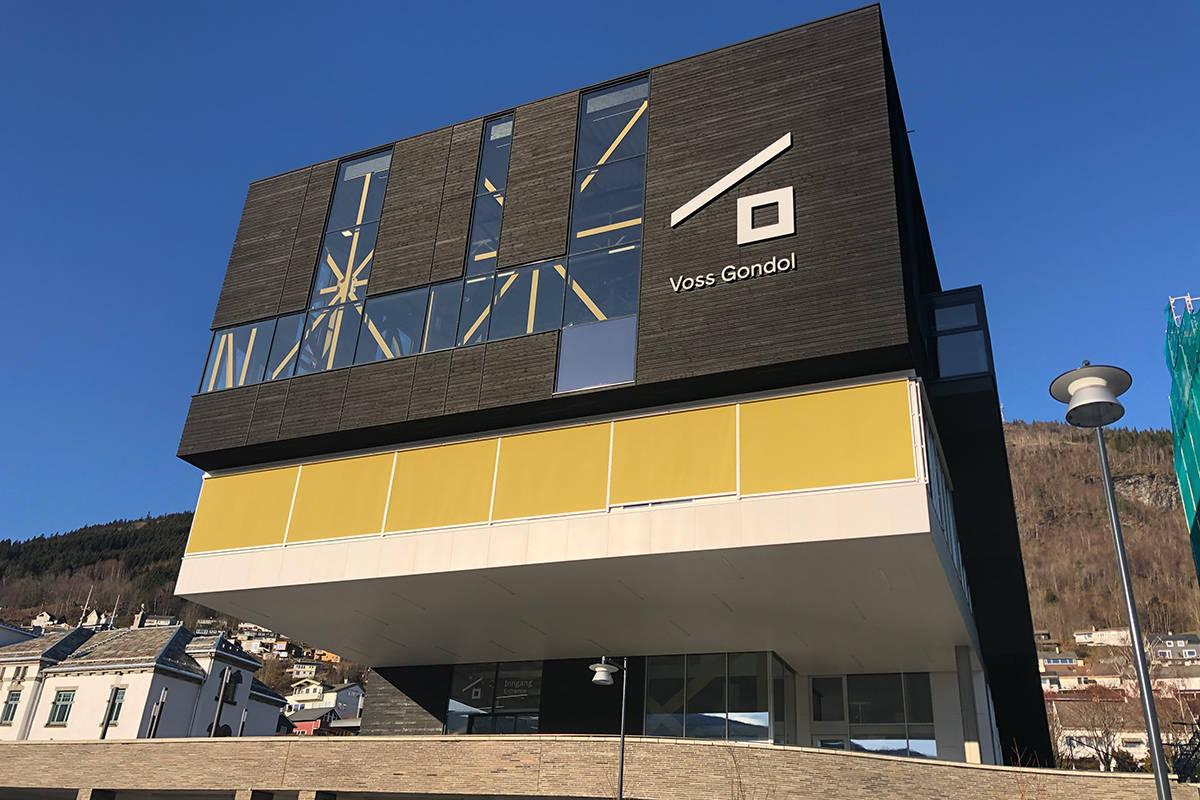 ERSTATNING: Den nye gondolen på Voss stod klar i sommer, og har allerede åpnet skisesongen. Foto: Anders Holtet