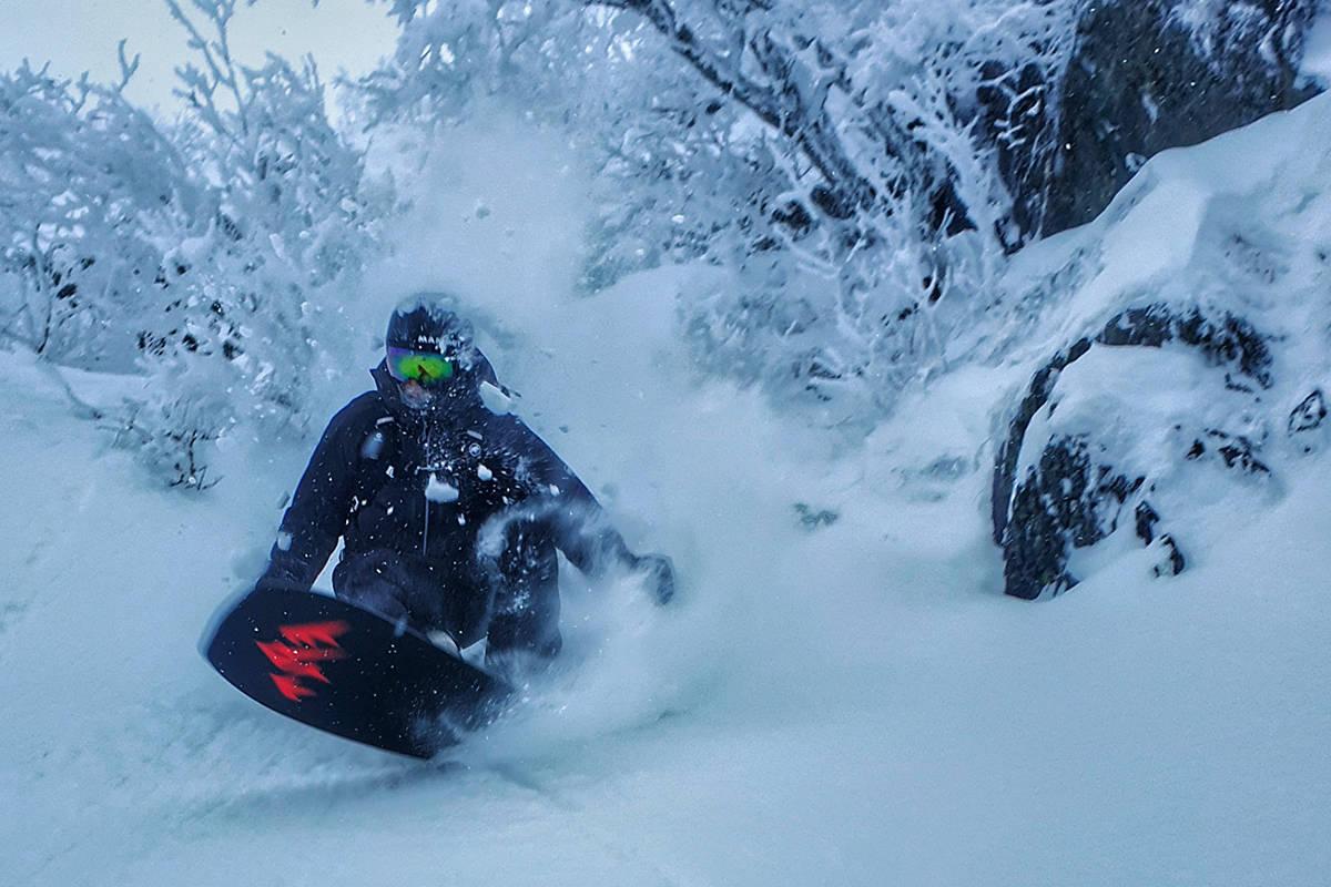 NYSNØ: David Underland nyter snøen i Hemsedal i helga. Foto: Are Tallaksrud