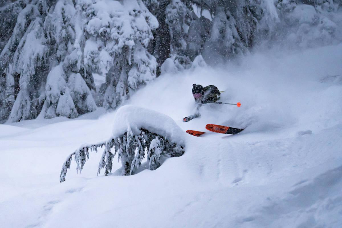 PUDDER: British Columbia snødde ned etter nyttår. Da var heldigvis denne gjengen på plass. Foto: Henrik Faye