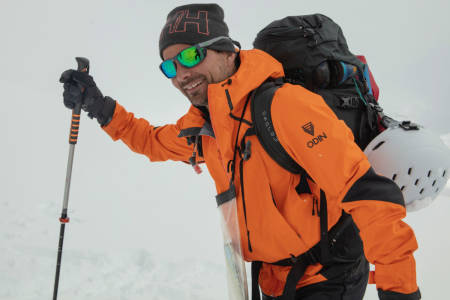 PÅ SKITUR: Fredrik Luytkis var ikke utelukkende positiv til nivået til deltakerne på turen til Skålatårnet. Foto: Matti Bernitz