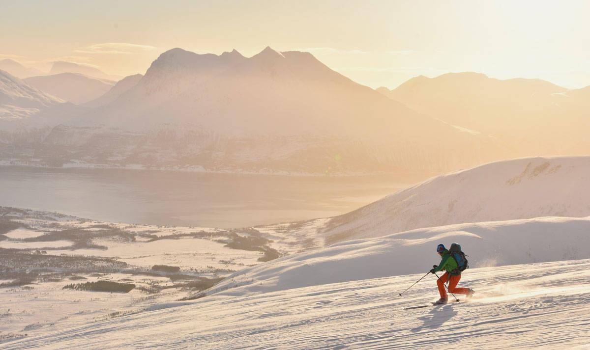 HELGETUR PÅ KVALØYA: Heidi Berg på vei ned fra Blåmannen. Foto: Espen Nordahl