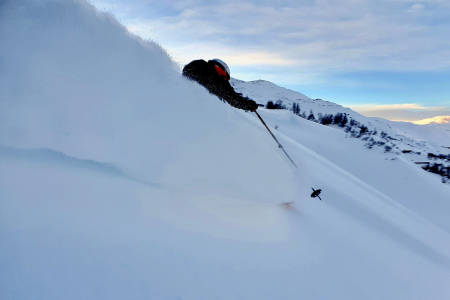 PUDDER: Flere kunne nyte godt av skiforholdene i helga - som for eksempel Petter Johansen på Vatnahalsen. Foto: Petter Johansen
