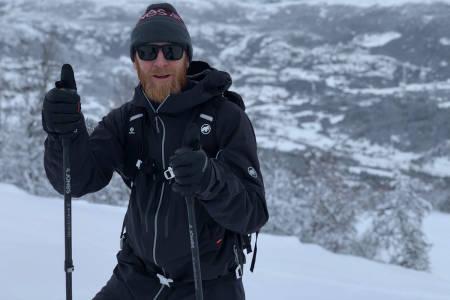 TESTER SKIFORHOLDENE: David Underland testet forholdene i Hemsedal før helgen. Foto: Privat