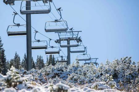 HØYE PRISER: Vail i Colorado har heiskort for nærmere 2000 kroner i ferien. Foto: Vail