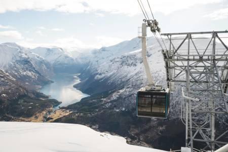 SØKSMÅL: Loen Skylift (bildet) saksøker nå Voss Gondol.  Foto: Bård Basberg