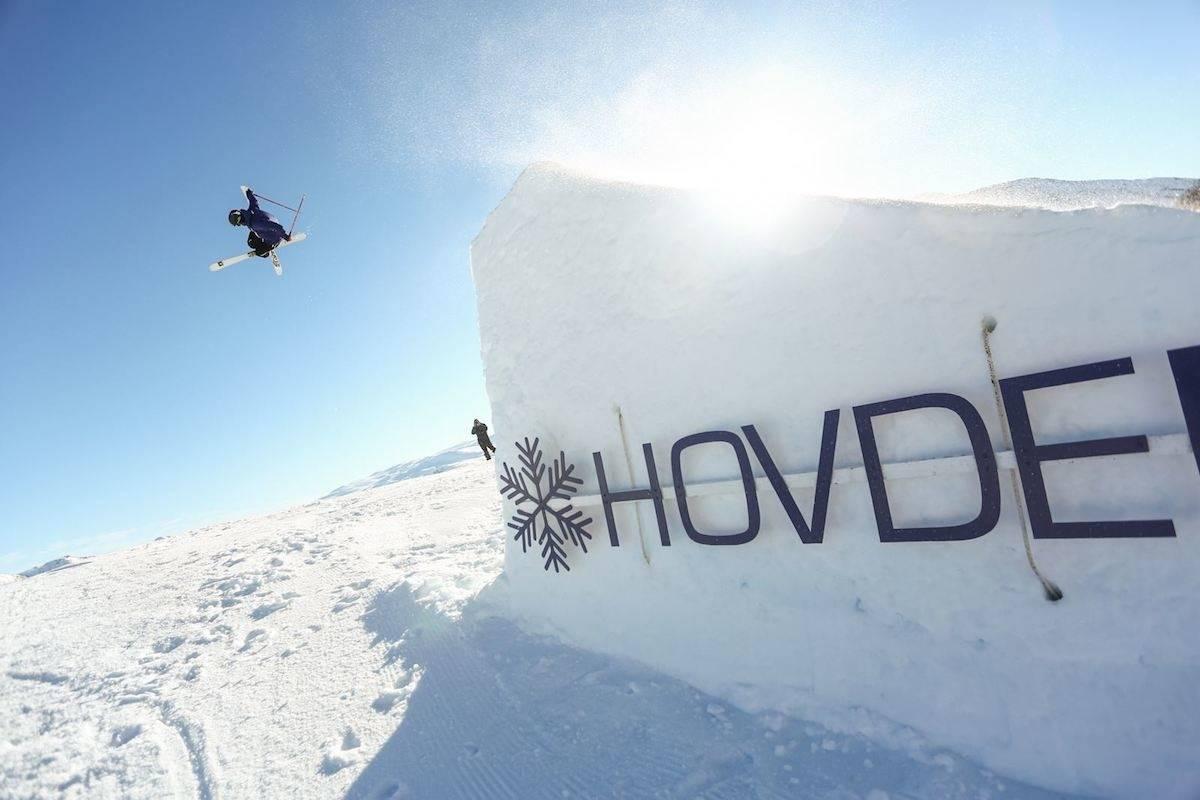 BIGAIR: Det blir Big Air på Hovden - her med  Eirik V. Sæterøy (18) fra fjorårets cup. Foto: Håkon Jørgensen