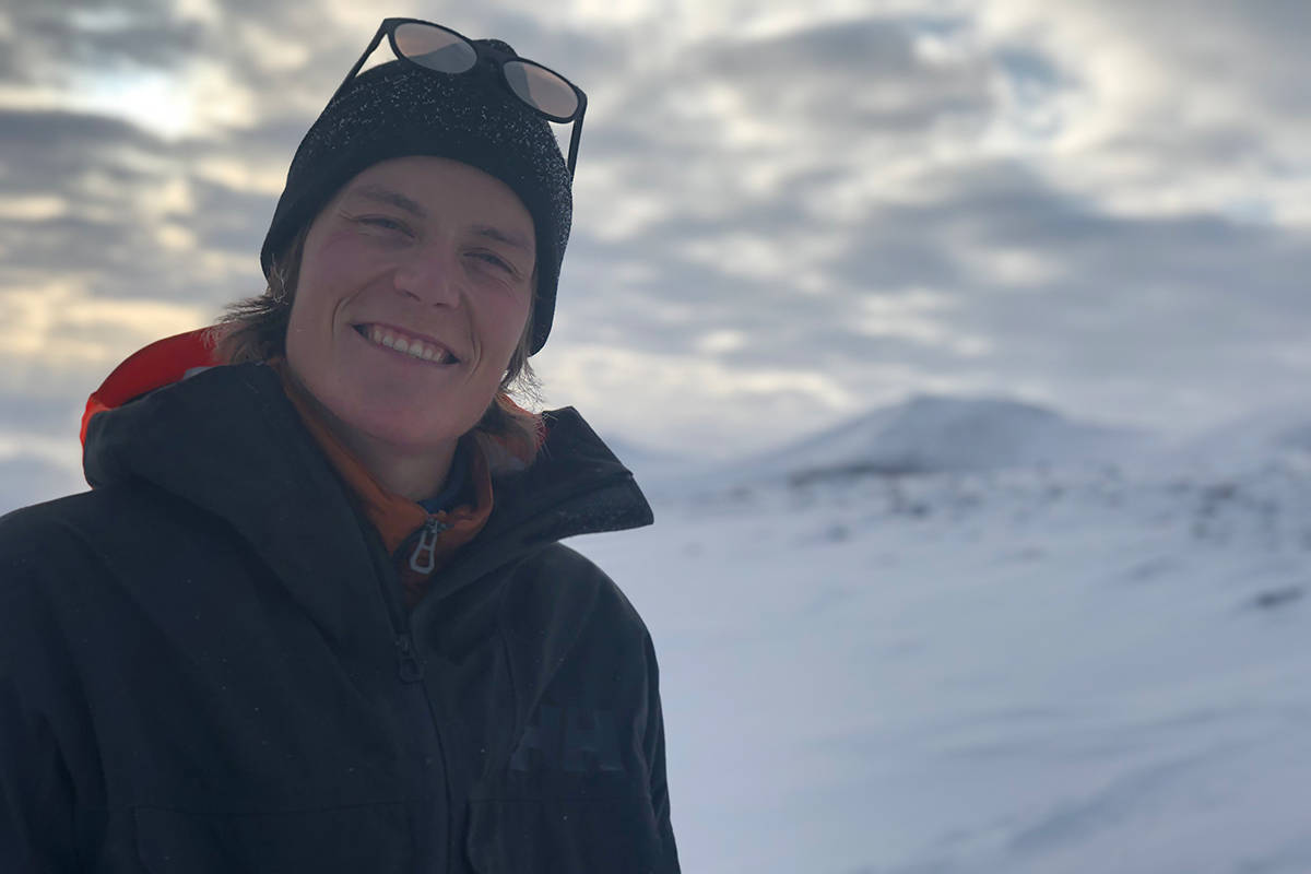 KLAR FIOR KONK: Øystein Aasheim er klar for sin første konkurranse siden hjertestansen. Her fra sin første skidag på Galdhøpiggen sommerskisenter tidligere i år. Foto: Anders Holtet