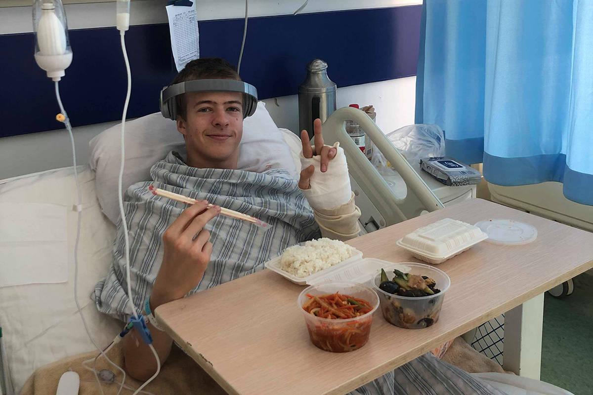 PÅ VEI HJEM: Søndag reiser Sebastian Schjerve hjem til Norge - etter et lengre sykehusopphold i Kina. Foto: Christoffer Schach
