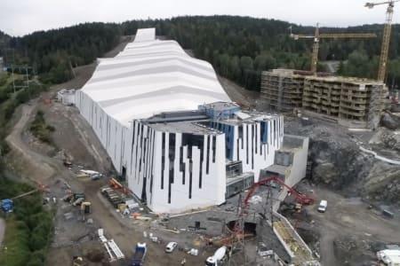NORGES FØRSTE: SNØ blir Norges første innendørs, og også et av verdens største. Slik ser hallen, som symboliserer en isbre, ut. Foto: SNØ