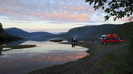 Benjamin Hjort har vært utallige reisereportasjer. Her fra en campingplass ved Unkervatnet i Fri Flyt 89.