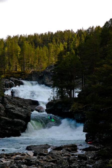 Nedre del av Rauma er i ferd med å bli en klassiker -og får relativt hyppige besøk av Norsk Luftambulanse. Foto: Mathias Fossum