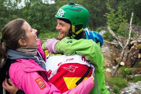 Dag Sandvik ble overrasket av kjæresten etter 2.-plassen. Foto: Anders Holtet