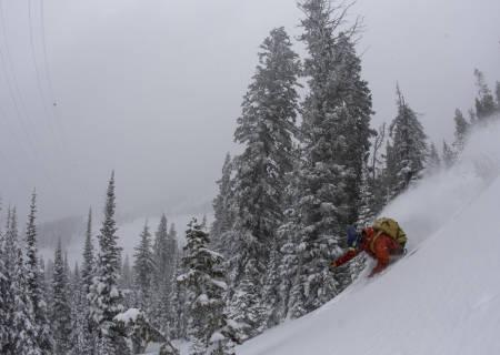 LAST CHRISTMAS: I fjor var deler av Fri Flyt-redaksjonen i USA. Alex Hunt feirer med en venstresving i Teton Pass, nær Jackson Hole. Foto: Hans Petter Hval