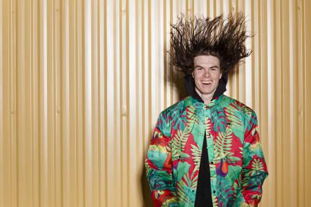 TILSTEDE I MØRKET: Slik ser han ut, Kim Boberg. Han er fast inventar i en av podkasternes skidrømmer. Hør podden for detaljer. Foto: Andreas Timfält