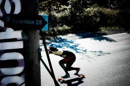 TRYVANN: TDC trakk noen av verdens beste longboardere. Foto: Karl Håkon Sæther