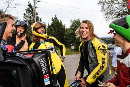 De svenske vinnerne i gult. Fra venstre: Mauritz Armfeldt og Christoffer Sanne.