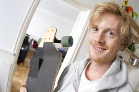 9. Du er nå en lykkelig eier av en «gasspedal» til longboardet ditt. Vi ønsker Jonas lykke til i Tryvann i helgen!
