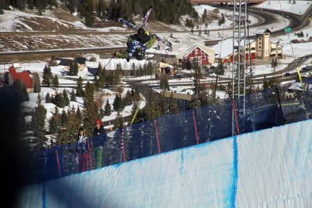 IKKE TIL FINALEN: Selv om Jon Anders Lindstad landa cork 1260 i pipen i Copper Mountain, holdt det ikke til finaleplass. Foto: Christopher Frankum